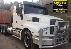 2002 Power Star 6700 Prime Mover with hydraulics