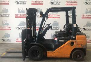 Toyota   Forklifts 8FG25