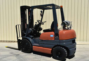 Used Toyota 2.5 Tonne Forklift 6FG25 Container Mast 4.7m Lift Height Sideshift