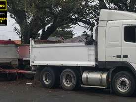 2002 Volvo FH-16 Tandem Tipper & Dog Trailer.  TS455 - picture2' - Click to enlarge