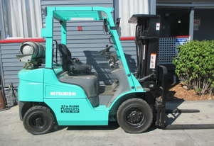 Mitsubishi 2.5 ton Container Mast Used Forklift #1483