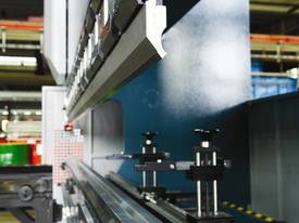 AD-R Synchro Hydraulic Press Brake - picture2' - Click to enlarge