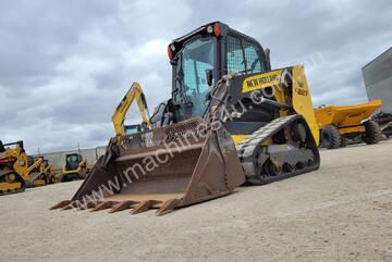 2017 NEW HOLLAND C227 TRACK LOADER WITH 1805 HOURS