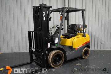 TCM 2.5 Tonne Forklift LPG 4800mm Container Mast Sideshift Markless Solid Tyres