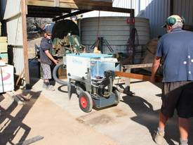 LA PERLINA TIMBER OILING MACHINE - picture5' - Click to enlarge