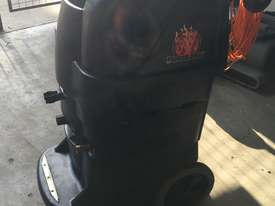 13 Gallon BlackMax Carpet Extractor  - picture2' - Click to enlarge