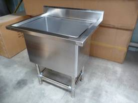 NEW COMMERCIAL 1800X600 STAINLESS STEEL FLAT BENCH - picture1' - Click to enlarge