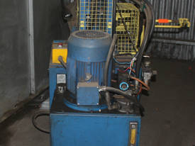 Hydraulic Fabricated Press 3 Phase Guarded Foot Co - picture1' - Click to enlarge