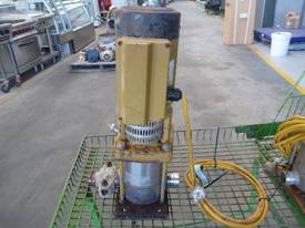GRUNDFOS 40mm 240VOLT PUMP - picture0' - Click to enlarge