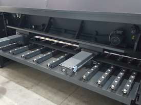 HACO HSLX3006 GUILLOTINES - picture7' - Click to enlarge