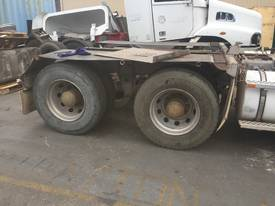 Dismantling  kenworth T604 - picture14' - Click to enlarge
