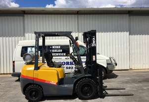 Container Mast LPG Forklift (Low Hours)