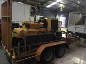 SC372 Diesel with 490 Hours - picture4' - Click to enlarge