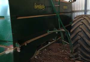 Simplicity 8200 Air Seeder Cart Seeding/Planting Equip