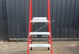 NEW Fibreglass Platform Stepladder
