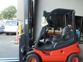 H18T Genuine Preowned Linde 1.8 Tonne Forklift - picture0' - Click to enlarge