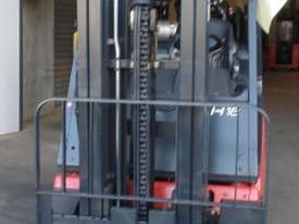 H18T Genuine Preowned Linde 1.8 Tonne Forklift - picture3' - Click to enlarge
