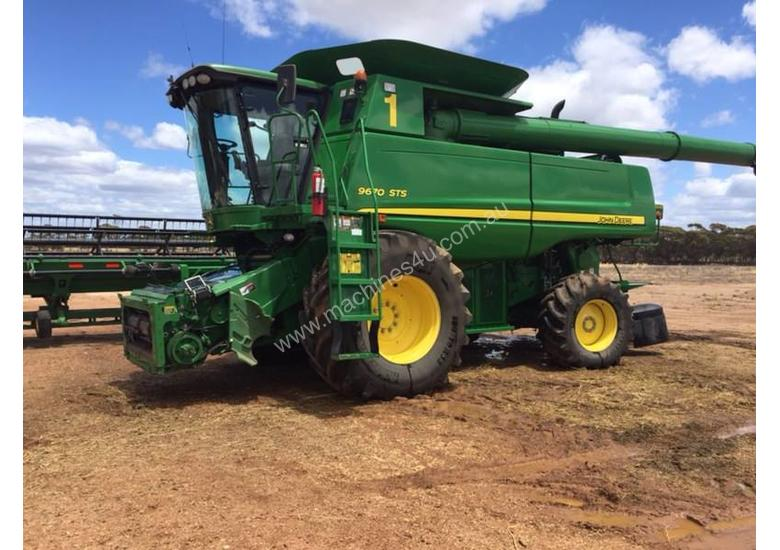 John Deere 9670STS Header and Front