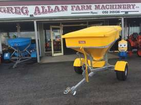 Reese SNGR660 Fertilizer/Manure Spreader Fertilizer/Slurry Equip - picture0' - Click to enlarge