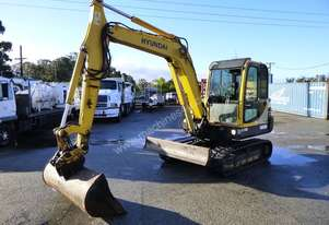 2009 Hyundai 5.5 Ton Rubber Tracked Robex 55-7 Excavator with Push Blade IN AUCTION