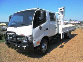 Hino 921- 300 Series Tray Truck - picture0' - Click to enlarge