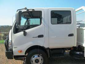 Hino 921- 300 Series Tray Truck - picture6' - Click to enlarge