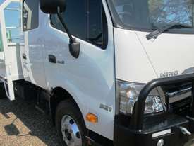 Hino 921- 300 Series Tray Truck - picture10' - Click to enlarge