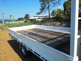 Hino 921- 300 Series Tray Truck - picture11' - Click to enlarge