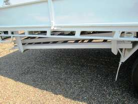 Hino 921- 300 Series Tray Truck - picture13' - Click to enlarge