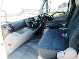 Hino 921- 300 Series Tray Truck - picture18' - Click to enlarge