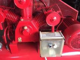 FS TA120 Air compressor - picture2' - Click to enlarge