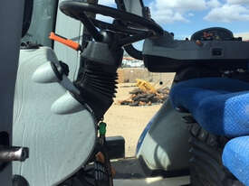 New Holland T8.390 FWA/4WD Tractor - picture2' - Click to enlarge