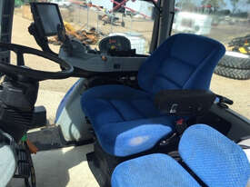 New Holland T8.390 FWA/4WD Tractor - picture3' - Click to enlarge