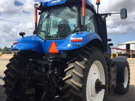 New Holland T8.390 FWA/4WD Tractor - picture9' - Click to enlarge