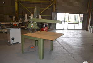 Heavy duty long stroke radial arm saw