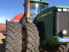 John Deere 9300 FWA/4WD Tractor - picture0' - Click to enlarge