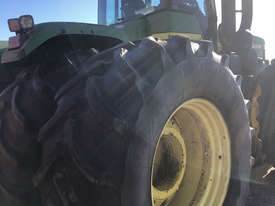John Deere 9300 FWA/4WD Tractor - picture1' - Click to enlarge