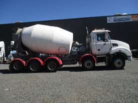 2009 mack 10x4 agitator - picture2' - Click to enlarge