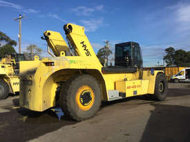 9.0T Diesel Reach Stacker - picture2' - Click to enlarge