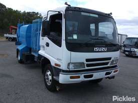 2002 Isuzu FRR500 - picture0' - Click to enlarge