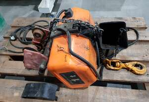 HITACHI 1-TONNE ELECTRIC CHAIN HOIST. PACIFIC WIRE ROPE HOIST