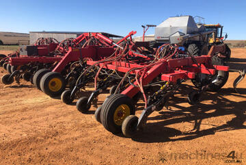 2015 Bourgault 3320 Air Drills