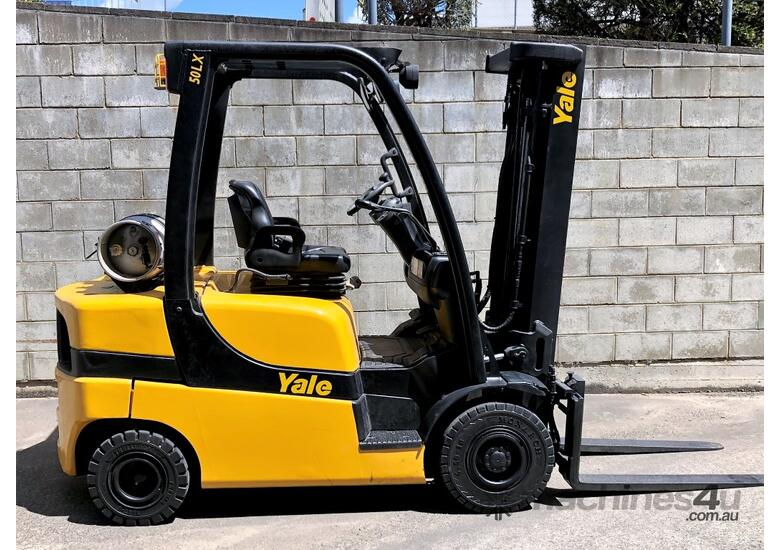 2.5T Counterbalance Forklifts