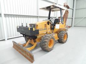 1995 Case 560 Trencher