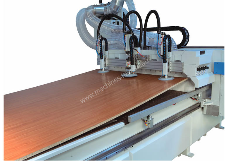 Flat bed nesting cnc machine - made in Italy