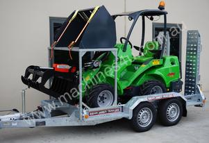 Avant 528 Articulated Mini Loader Trailer package