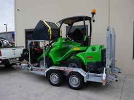Avant 528 Articulated Mini Loader Trailer package - picture7' - Click to enlarge