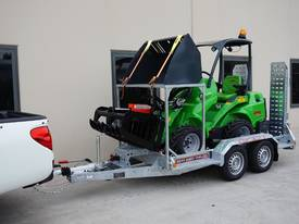Avant 528 Articulated Mini Loader Trailer package - picture8' - Click to enlarge