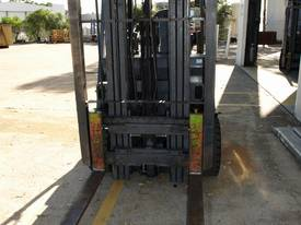 4 Wheel Battery Electric Container Masts - picture1' - Click to enlarge