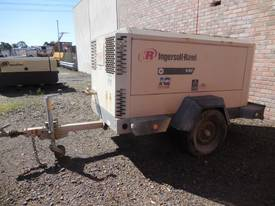 INGERSOLL-RAND 9/110 400CFM DIESEL AIR COMPRESSOR - picture8' - Click to enlarge